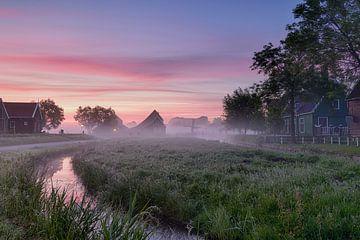 Zaanse Schans bei Sonnenaufgang von John Leeninga