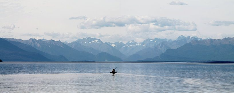 new zealand te anau meer en bergen met kano van Martijn Wams