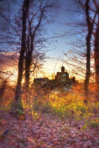 Burg Ronneburg in Hessen im mystischen Abendlicht