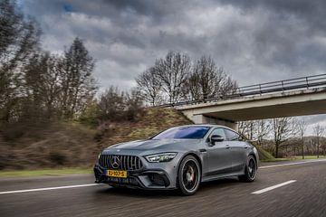 Mercedes-AMG GT63 4-Türer mit hoher Geschwindigkeit von Bas Fransen