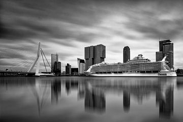 Harmony of the Seas ( Rotterdam B/W )   sur Cris Martinez