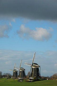 Drie molens met donkere lucht von Anouk Davidse