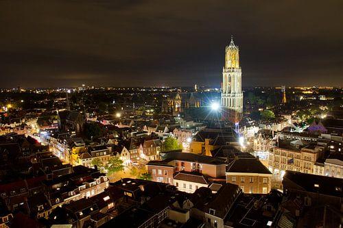 Utrecht skyline in de nacht van Dennis van de Water