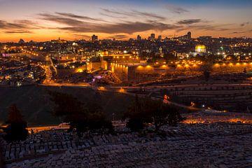 Jeruzalem skyline bij zonsondergang van Jack Koning