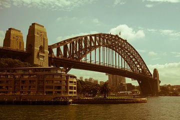 Nostalgic Sydney Harbour Bridge van Tessa Louwerens