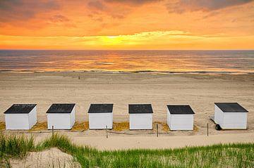 Zonsondergang op het strand van Texel 4 / Sunset on the beach of Texel 4 van Justin Sinner Pictures ( Fotograaf op Texel)