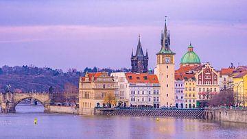 Blue hour in Praag, Tsjechië van Jessica Lokker