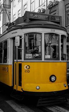 Tramlijn 28 Lissabon van Daan Duvillier