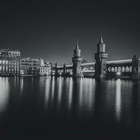 Oberbaumbrücke (Berlin) schwarz-weiß von Skyze Photography by André Stein