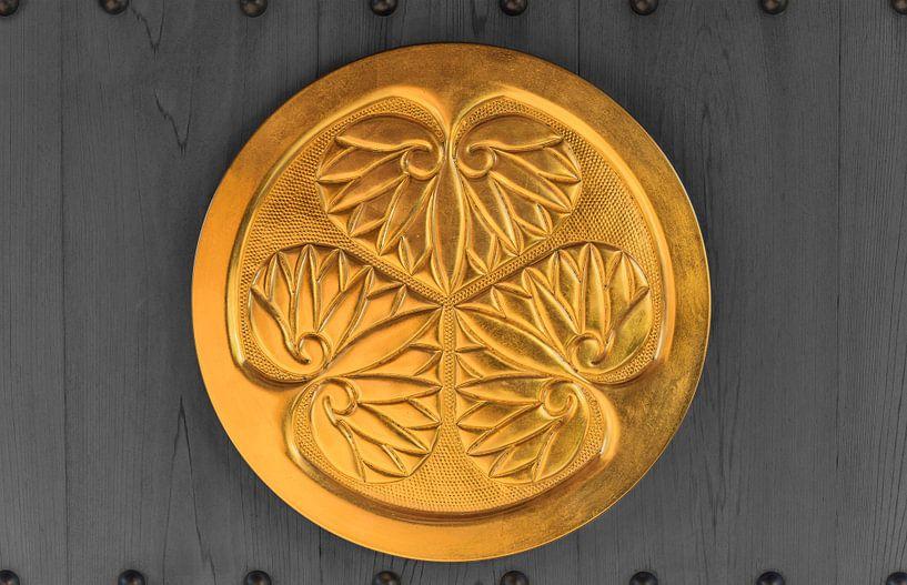 Gouden wapen van de Tokugawa Shogun clan. van Kuremo Kuremo
