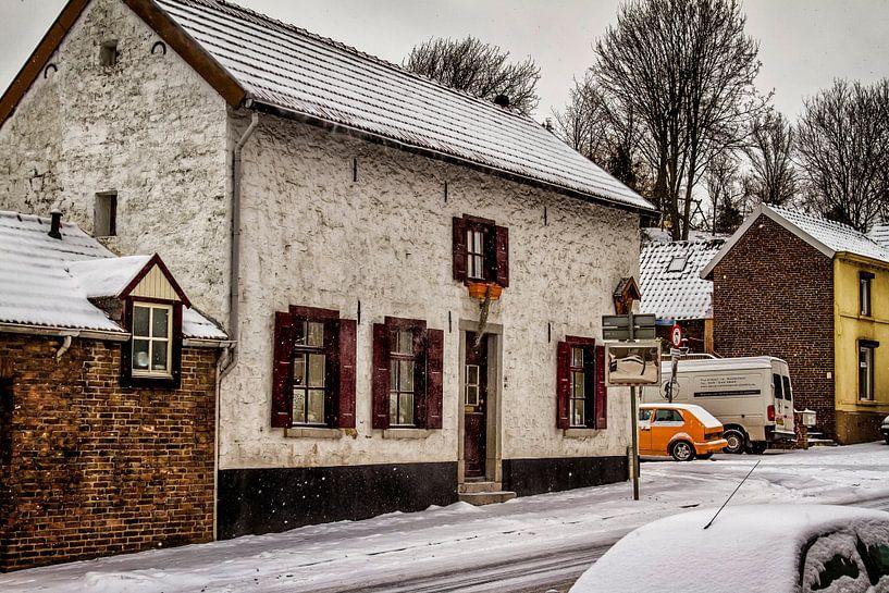 Rolduckerweg Simpelveld in de Sneeuw van John Kreukniet