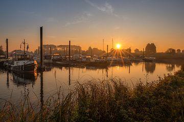 Haven Eiland van Maurik met zonsopkomst von Moetwil en van Dijk - Fotografie