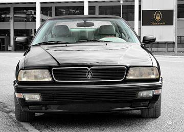 Maserati Quattroporte IV in dark black