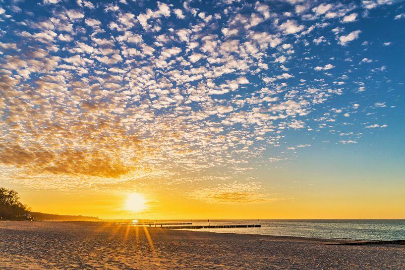 Sonnenuntergang am Strand von Gunter Kirsch