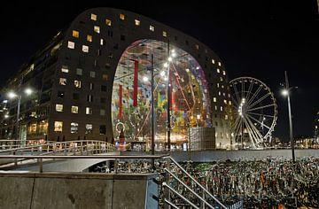 Rotterdam bei Nacht; Markthalle von Astrid Luyendijk