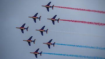 AlphaJets van de Patrouille de France demonstratieteam in de Diamant formatie van Ed Steenhoek