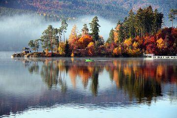 Herbsttag am Schluchsee van Gerhard Albicker