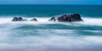 Zee met rotsen in Oregon von Rob IJsselstein
