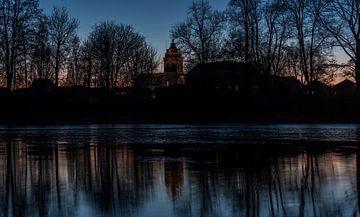 De Grote Kerk van Schoonhoven tijdens het blauwe uur von Stephan Neven