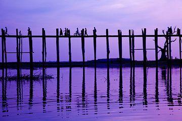 Zonsondergang U-Bein brug, Mandalay Myanmar von Wijnand Plekker