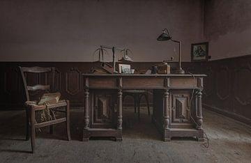 Büro mit Schreibtisch von Perry Wiertz