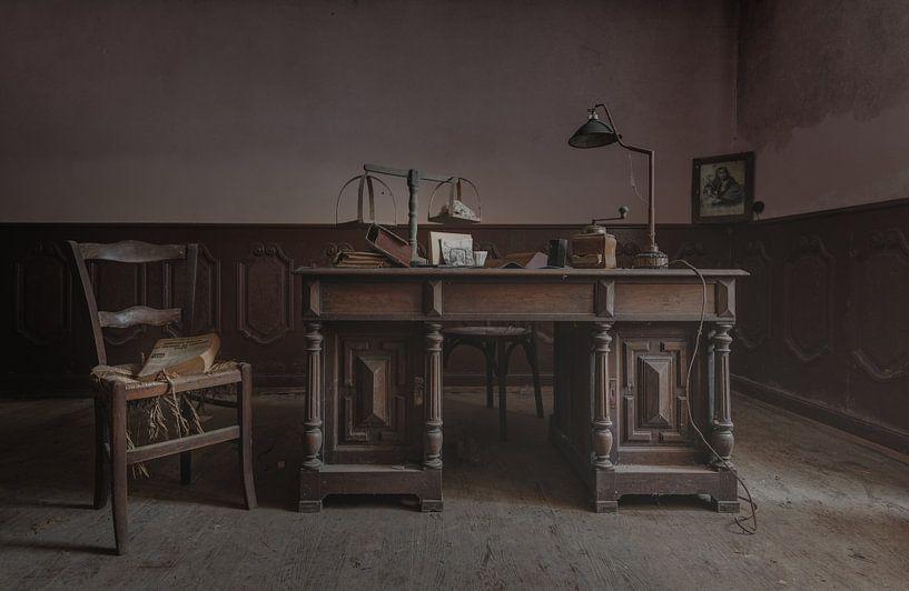 Kantoor met bureau van Perry Wiertz