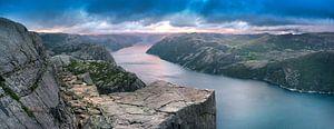 Preikestolen Norway van Marc Hollenberg