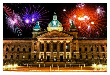 Duitse stad Leipzig bij nacht met vuurwerk van Natasja Tollenaar
