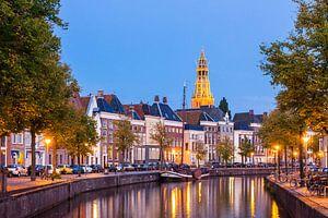 Hoge der A Groningen in der Dämmerung
