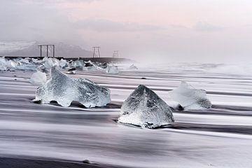 Morgenlicht am schwarzen Eisstrand von Ralf Lehmann