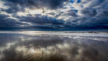 Wolken über der Nordsee von Jacco van der Zwan