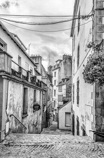 Straatje in Morlaix(Bretagne) van Don Fonzarelli