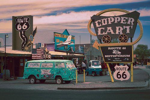 Route 66, oude auto en reclameborden van Inge van den Brande