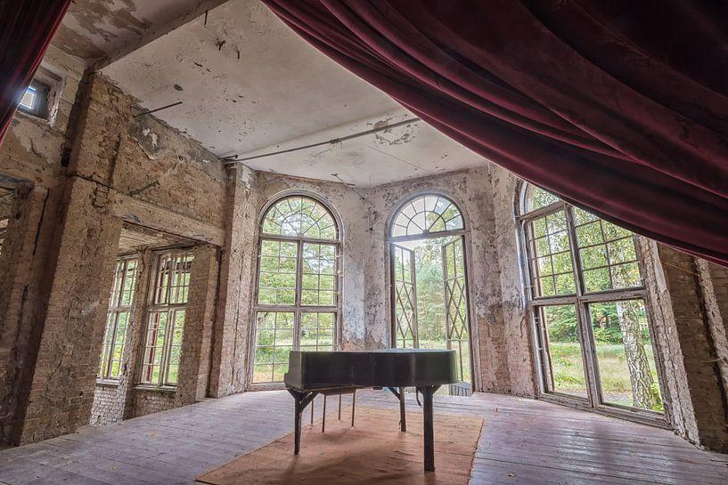 Lost Place - das Klavier von Linda Lu