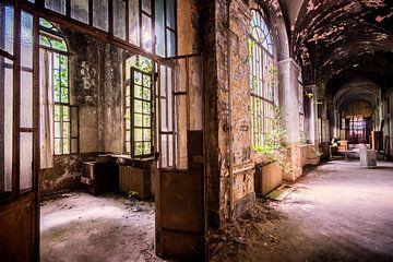 De gangen in een ziekenhuis in Italie van Aurelie Vandermeren