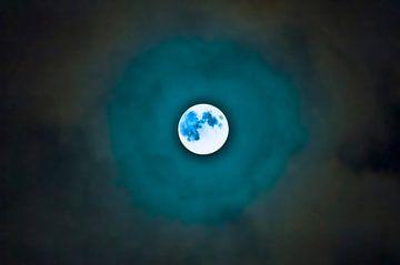 Blue moon van Stefan Antoni