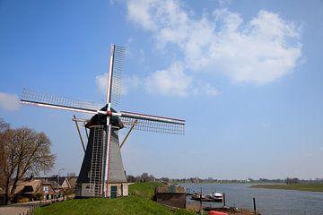 Windmühle in Nederhemert von Ivonne Wierink