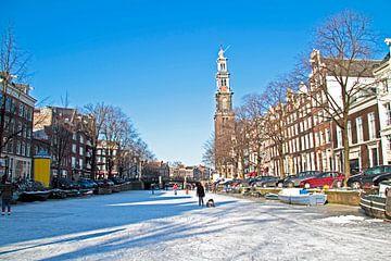 L'hiver à Amsterdam sur le Prinsengracht avec le westerkerk sur Nisangha Masselink