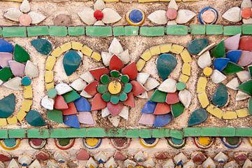 Porseleinen versiering op tempel Wat Arun van Barbara Brolsma