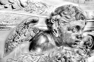 Houten engel in zwart wit