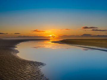 Untergehende Sonne auf dem Noordsvaarder Terschelling von Jan Huneman