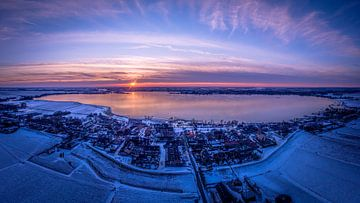 Dorp aan het water panorama van Tomek Kepa