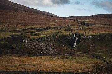 Wasserfall im Fairy Glen auf der Isle of Skye von Paul van Putten