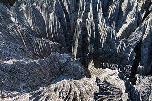 Scherpe rotsen van de Tsingy van