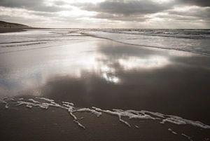 Terugtrekkend water / strand van Texel van