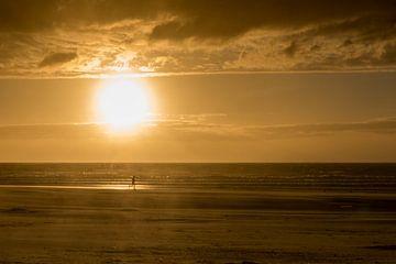Sunset Runner Bredene aan Zee van Focco van Eek