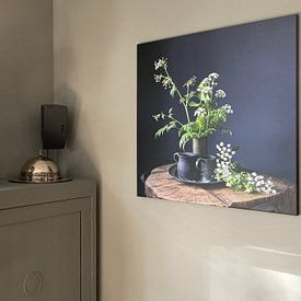 Kundenfoto: Stilleben mit Kuh-Petersilie und Zinn auf Holz [quadratisch]. von Affect Fotografie, auf leinwand