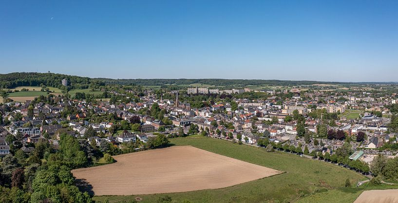 Luchtfoto van Vaals in Zuid-Limburg van John Kreukniet