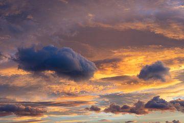 In de zee van wolken 1 van Montepuro