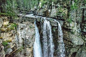 Upper Falls .....